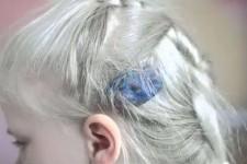 Как убрать пластилин с волос у ребенка